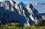 Cặp tình nhân Ý trốn đời, lên núi sống hoang dã
