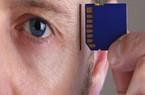 Dự án cấy chíp vào não giống nắp thẻ nhớ vào máy tính