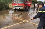 Hậu bão số 12: Đưa xe chuyên dụng PCCC đến dọn bùn giúp dân