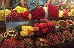 """Chợ hoa tấp nập cận ngày 20/10, hoa bán hết trong """"nháy mắt"""""""