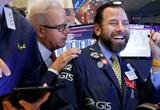 Dow Jones lần đầu phá mốc 30.000 điểm