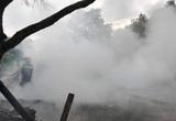 Bắc Kạn: 1 ngôi nhà bị thiêu rụi lúc sáng sớm, phát hiện 1 người ngất xỉu cạnh đám cháy