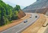 Các phương tiện chuẩn bị được lưu thông trên cao tốc La Sơn - Túy Loan