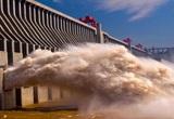 Mực nước ở đập Tam Hiệp đột nhiên cao vọt, TQ hứng thêm thiệt hại