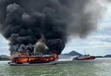 Kiên Giang: Chiếc tàu đang chở 21 hành khách bất ngờ bốc cháy dữ dội trên biển