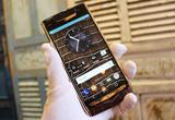 Chiếc điện thoại Vertu độc nhất thế giới về tay đại gia Việt