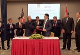Bộ trưởng Công Thương Nguyễn Hồng Diên chứng kiến lễ ký thỏa thuận liên doanh dự án kho cảng LNG Sơn Mỹ