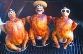 """Nghi án """"ám sát"""" con gà"""