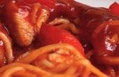 """Video: Cách làm mì xào gà chua ngọt nhanh """"tích tắc"""", ngon tít mắt"""