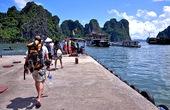 Khách du lịch đến Quảng Ninh tăng 8%
