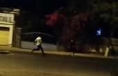 Clip cô gái bị đánh dã man trên đường đêm gây phẫn nộ