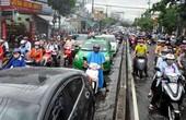 Mưa 1 giờ, Sài Gòn kẹt xe từ chiều đến tối