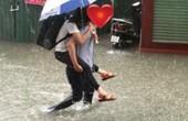 Tán gái gặp giời mưa, bách phát bách trúng