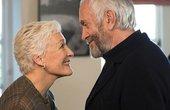 Gã đàn ông 57 tuổi xin phép vợ hẹn hò với nữ thư ký 19 tuổi
