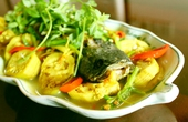 Cuối tuần lai rai đặc sản: Cá lóc um chuối chát