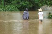 Phú Yên: Mưa lũ cô lập nhiều khu vực