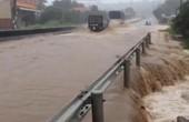 Phú Yên: Lũ lên nhanh, dân bỏ tài sản chạy thoát thân