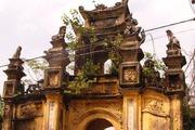 Bước qua những cổng làng xưa cũ