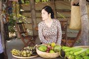 Dương Cẩm Lynh vào vai gái quê bán trái cây như thế nào?