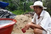 Lão nông nói gì khi tự nộp đơn xin rút khỏi hộ nghèo