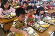 """Thịt gà có mùi """"lạ"""" đưa vào Trường tiểu học Chu Văn An: Nhà cung cấp nói gì?"""