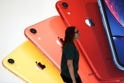 Bị nghi làm chậm iPhone, Apple gánh án phạt 500 triệu USD