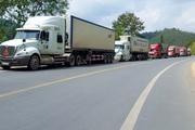 Siết chặt kiểm soát dịch bệnh, 1.300 xe hàng ùn ứ tại cửa khẩu Lạng Sơn