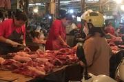 Giá thịt lợn vọt lên 300.000đ/kg trong chiều 7/3