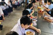 TP.HCM: 20 học sinh tiểu học nhập viện nghi do ngộ độc thực phẩm