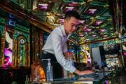 Karaoke, quán bar tại Hà Nội đồng loạt đón khách sau thời gian đóng cửa vì Covid-19