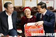 Phó Chủ tịch Thường trực UBND tỉnh Bắc Ninh thăm và tặng quà Tết tại huyện Quế Võ