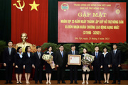 Ảnh: Quỹ Hỗ trợ nông dân đón nhận Huân chương Lao động hạng Nhất