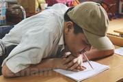 Chuyện về người thầy ngồi xe lăn, 10 năm ngậm bút dạy chữ