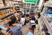 Nóng: Chuỗi cửa hàng thực phẩm sạch CleverFood tạm dừng bán hàng sau vụ giòi bò lúc nhúc trong cá kho