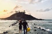 """Vũng Tàu: Canh """"giờ vàng"""" lần theo con đường bí ẩn dưới nước đến thăm ngôi miếu có vị trí đặc biệt nhất Việt Nam"""