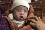 Ninh Bình: Bé trai kháu khỉnh bị bỏ rơi bên cạnh nhà văn hóa thôn