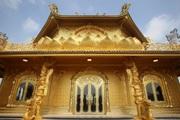 Ngôi chùa dát đầy vàng là vàng ngay gần Thủ đô Hà Nội không phải ai cũng biết