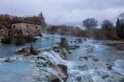 Lạ lùng suối nước nóng màu xanh ngọc lam, du khách mê mẩn quên lối về