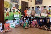 Vinamilk và Quỹ Sữa Vươn Cao Việt Nam trao nhiều quà cho trẻ đang cách ly tại Điện Biên