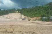 Video: Khai thác đất trái phép rầm rộ ở Bình Định, nhưng không ai chịu trách nhiệm