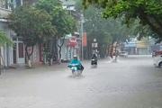 Video: Mưa lớn, một số tuyến đường tại TP.Điện Biên Phủ bị ngập nặng