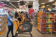"""TP.HCM bắt đầu """"ai ở đâu thì ở đó"""": Siêu thị hoạt động ra sao, người dân mua thực phẩm thế nào?"""