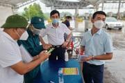 Ngày đầu quét mã QR tại chốt ra vào TP Hà Nội: Người dân vẫn bỡ ngỡ