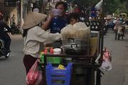 """Thức ăn đường phố: Quán điểm cũng """"có vấn đề"""""""