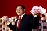 Triệu phú Trung Quốc chuyên khoe tiền tấn gây tranh cãi
