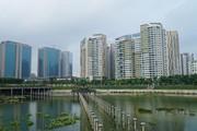 Ảnh, clip: Hồ công viên 300 tỷ bốc mùi, dân Thủ đô nói gì?