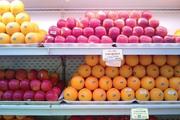 Hơn nửa năm không nhập, táo dán nhãn Úc và New Zealand vẫn tràn siêu thị Việt