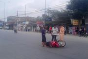 Ô tô đâm người đi xe máy nhập viện rồi bỏ chạy