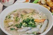 Bánh mì xíu mại trứng muối, cháo sá sùng lạ miệng ở Sài Gòn