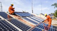 """EVN """"cầu cứu"""": Bất cập khi bán điện mặt trời!"""